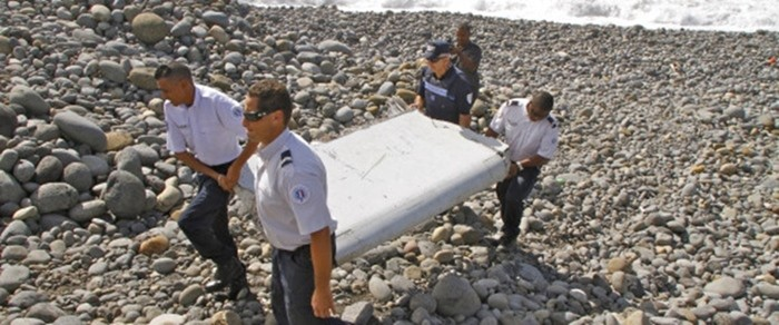 Σχεδόν βέβαιες οι αυστραλιανές αρχές ότι τα συντρίμμια που βρέθηκαν ανήκουν στο Boeing των Μαλαισιανών αερογραμμών