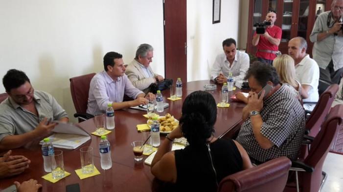 """""""Δεν μπορούμε να συμμετέχουμε σε εξελίξεις που βάζουν σε περιπέτεια τα εδάφη μας"""" τόνισε ο Περιφερειάρχης Δυτικής Μακεδονίας κατά τη συνάντηση εργασίας με το γενικό γραμματέα Διαχείρισης Αποβλήτων"""