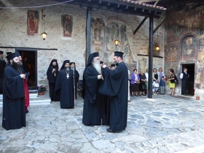 Μέγας Πανηγυρικός Αρχιερατικός Εσπερινός στην βυζαντινή Ιερά Μονή Παναγίας Μαυριωτίσσης Καστοριάς