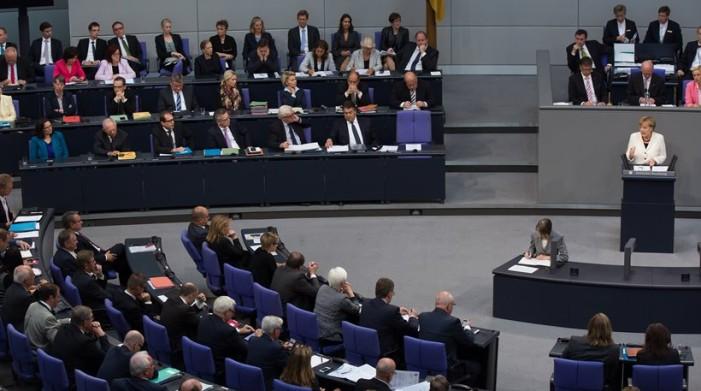 120 βουλευτές της Μερκέλ απειλούν να μην ψηφίσουν τη συμφωνία με την Ελλάδα