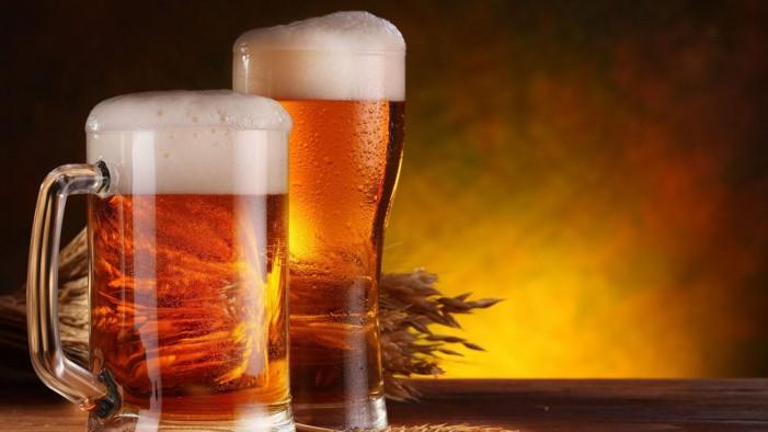 """Γιατί η μπίρα στην Ελλάδα είναι φθηνότερη απ"""" ότι στη Γερμανία;"""