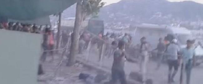 Αιματηρές συμπλοκές μεταξύ μεταναστών στη Μυτιλήνη με σιδηρόβεργες [video]