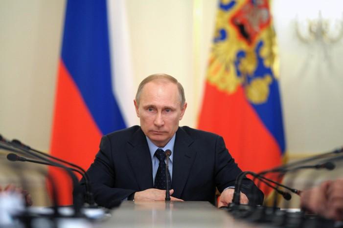 Σε βαριά ύφεση η Ρωσία στη σκιά της αστάθειας σε Κίνα και Ελλάδα – Ανησυχία στην Καστοριά για το εμπόριο γούνας