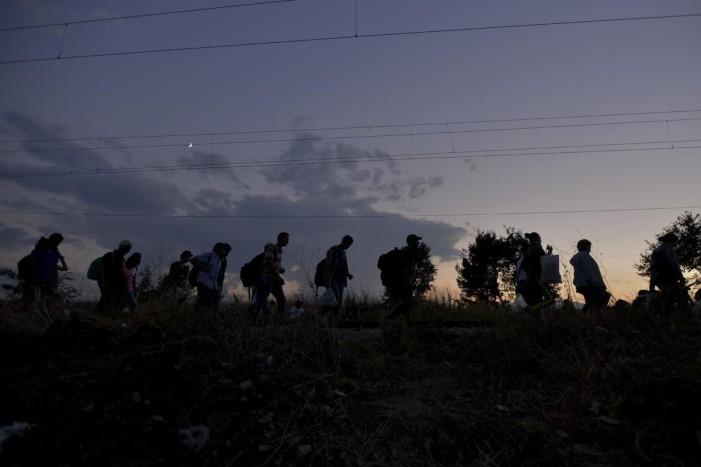 Δραματική η κατάσταση στα σύνορα της ακυβέρνητης χώρας.