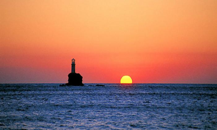 Το ηλιοβασίλεμα είναι μαγικό σε όλη την Ελλάδα! (Φωτογραφίες)