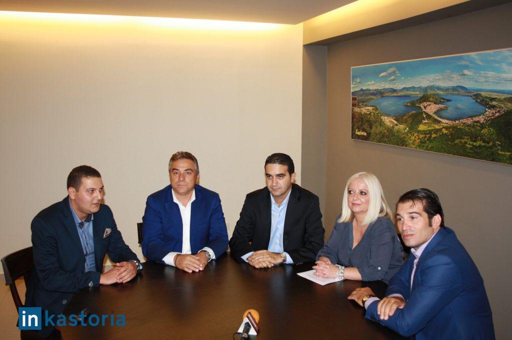 Στιγμιότυπο από τη συνέντευξη τύπου. Από αριστερά οι κ.κ. Σωτήρης Ραπτόπουλος, Κοσμάς Βαρσάμης, Μιχάλης Κατρίνης, Θωμαή Σιμώτα και Παντελής Περιβολάρης.