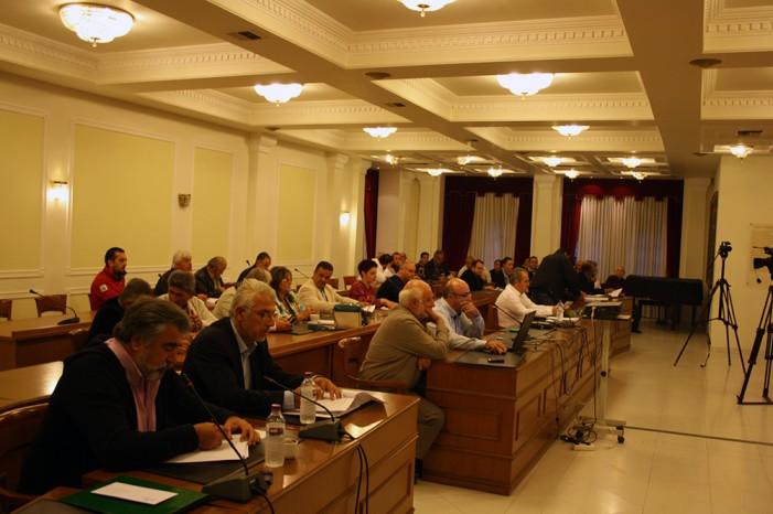 Σκληρή αντιπαράθεση στο δημοτικό συμβούλιο της Καστοριάς για τη λίμνη
