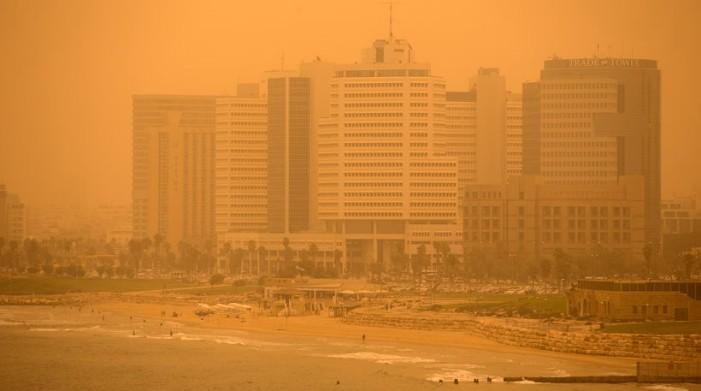 Σφοδρή αμμοθύελλα έπνιξε Μέση Ανατολή και Κύπρο