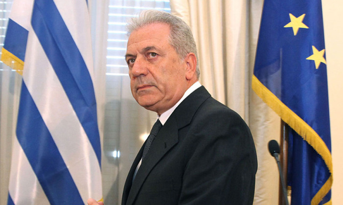 Αβραμόπουλος: Δεν θίγεται από την νέα υπηρεσία συνοριοφυλακής η κυριαρχία των κρατών-μελών