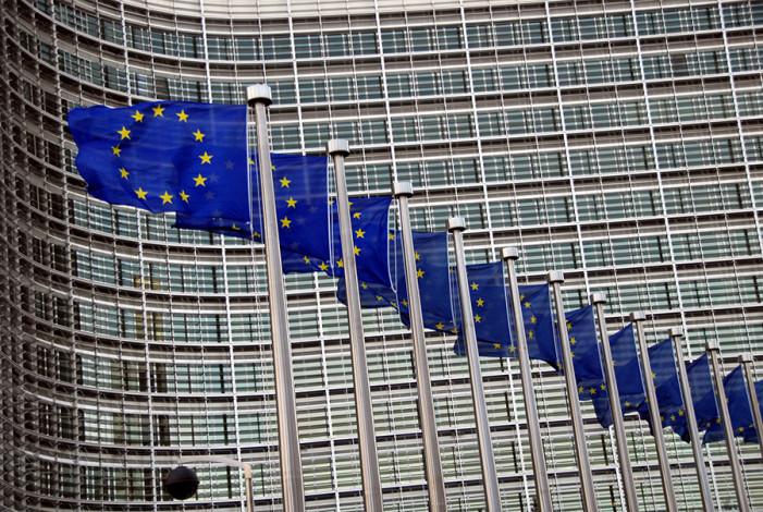 Βόμβα από Βρυξέλλες: Λύση για το χρέος μόνο με μεγάλο συνασπισμό