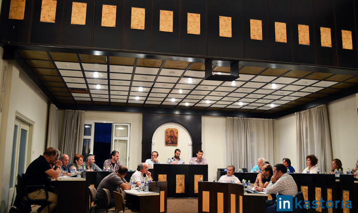 Ένταση στο δημοτικό συμβούλιο Άργους για τα… τραπέζωματα