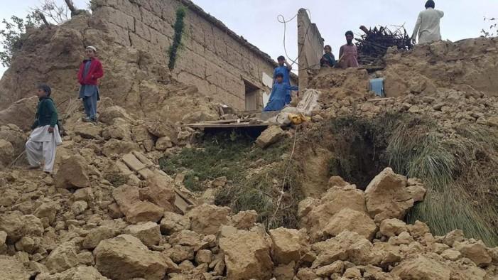 Τουλάχιστον 100 νεκροί από τον σεισμό των 7,5 βαθμών που σημειώθηκε στο Αφγανιστάν