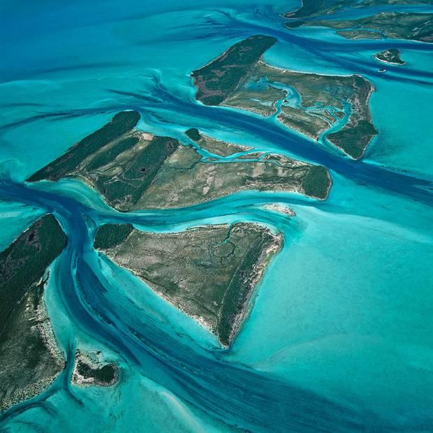 889612_Exuma-Cays_Bahamas_aerial