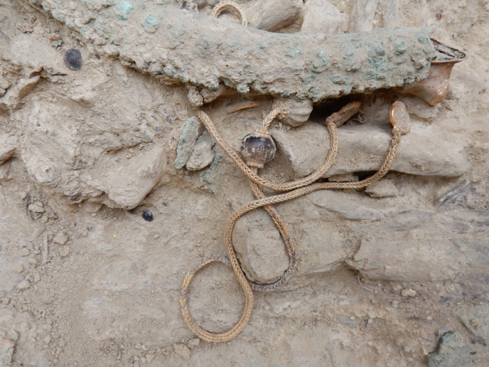 Σπουδαία αρχαιολογική ανακάλυψη – Βρέθηκε ασύλητος τάφος του 1500πΧ. (φωτό)