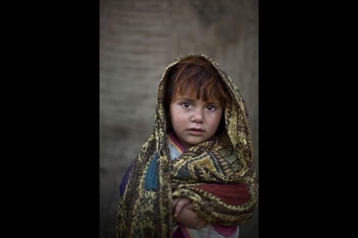 «Ομορφα, σκληρά μου μάτια». Τα παιδιά του Πακιστάν στον φακό