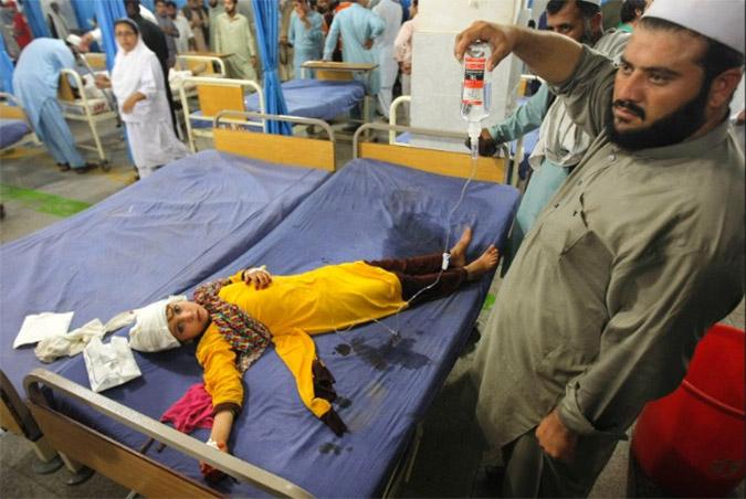 Τουλάχιστον 300 οι νεκροί από τα 7,5 Ρίχτερ σε Αφγανιστάν-Πακιστάν (φωτό + βίντεο)