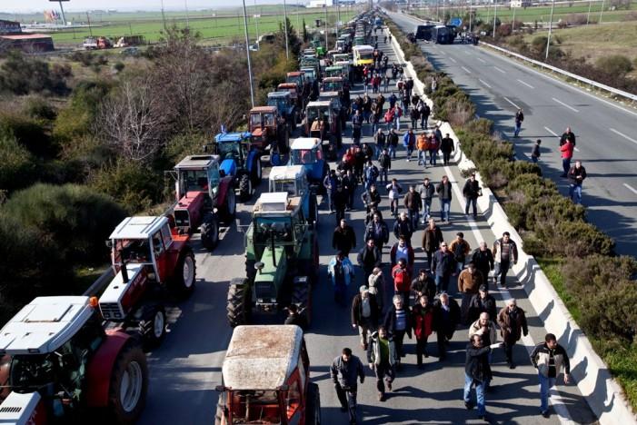 Διχασμός στους αγρότες – Οι μισοί ζητούν διάλογο οι υπόλοιποι τον απορρίπτουν