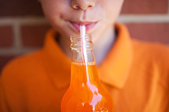 Προσοχή: Ο ΕΦΕΤ ανακαλεί πορτοκαλάδα με ανθρακικό