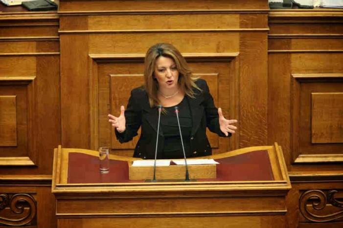 """Μαρία Αντωνίου: """"ΣΥΡΙΖΑ και Χρυσή Αυγή το δίδυμο της παρακμής"""""""