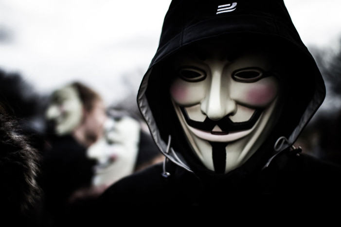 Anonymous προς ISIS: «Είστε ιός, είμαστε η θεραπεία»
