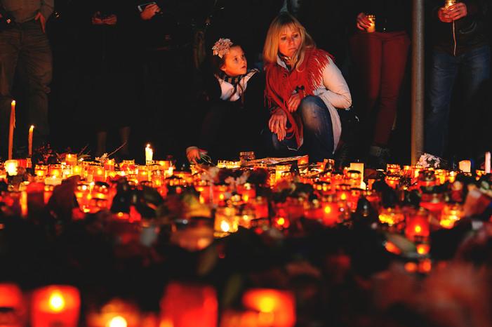 Να πώς ένα γαλλικό περιοδικό εξηγεί στα παιδιά αυτό που έγινε στο Παρίσι