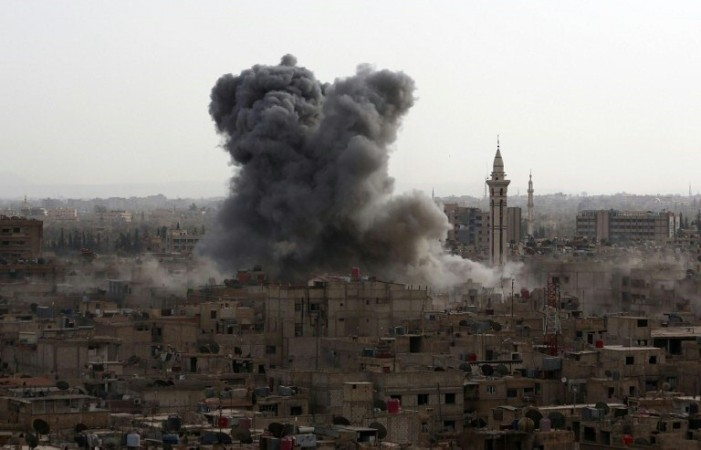 Δέκα γαλλικά αεροσκάφη έριξαν σήμερα 20 βόμβες στη Ράκα της ανατολικής Συρίας