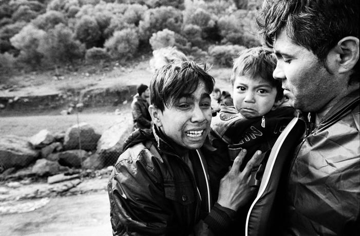 Νεκροταφείο ψυχών: Το αφιέρωμα του Guardian στη Λέσβο και τους πρόσφυγες