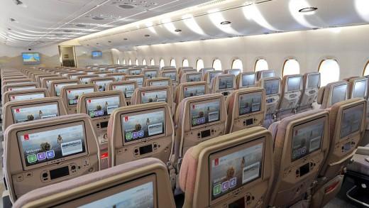910749_emirates02