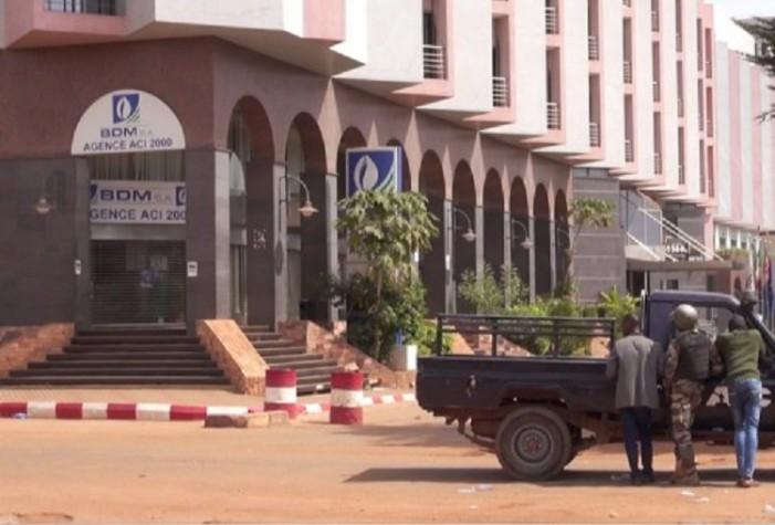 Τέλος της ομηρίας στο ξενοδοχείο του Μάλι – 18 νεκροί