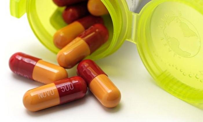 Αντιβιοτικά χωρίς συνταγή γιατρού παίρνουν οι Έλληνες σύμφωνα με το ΚΕΕΛΠΝΟ