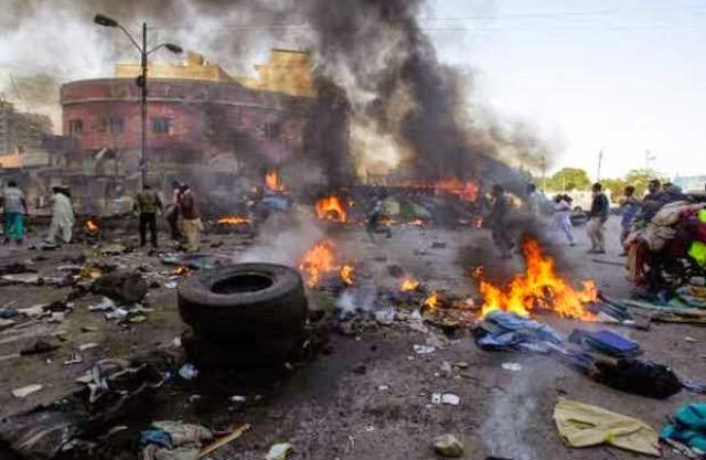 32 νεκροί και 80 τραυματίες από βομβιστική επίθεση σε λαχαναγορά στη Νιγηρία