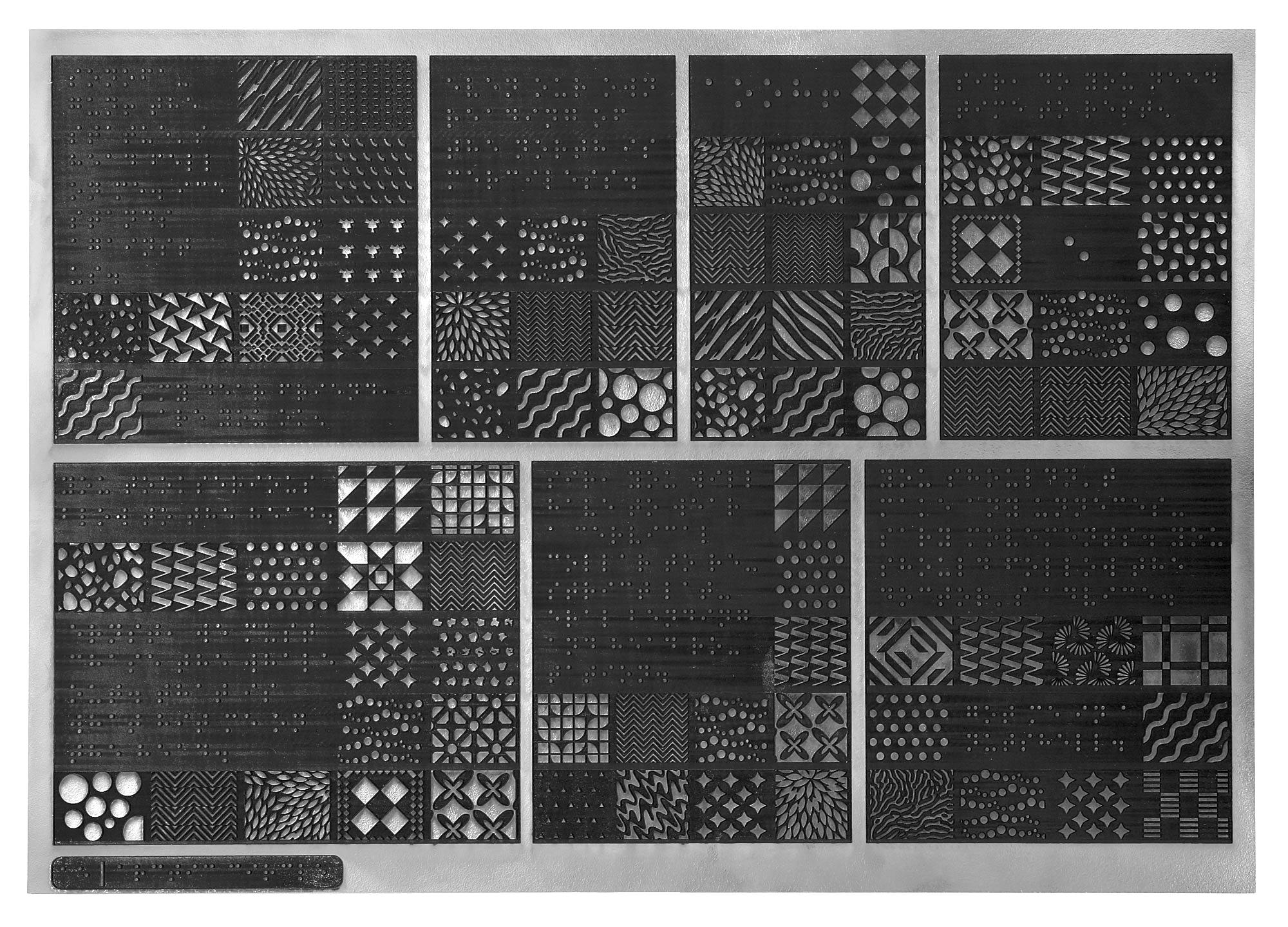To Arctic Circle είναι χαραγμένο πάνω σε 57 ξύλινες πλάκες διαστάσεων 35x50 εκ., 6 πλάκες υπομνημάτων και χρησιμοποιεί ένα σύνολο από 6.000 patterns. Ζυγίζει γύρω στα 95 κιλά...