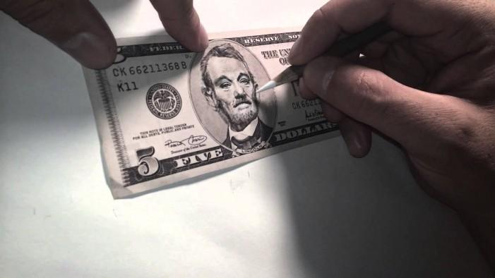 Τέχνη πάνω σε χαρτονομίσματα δολαρίου