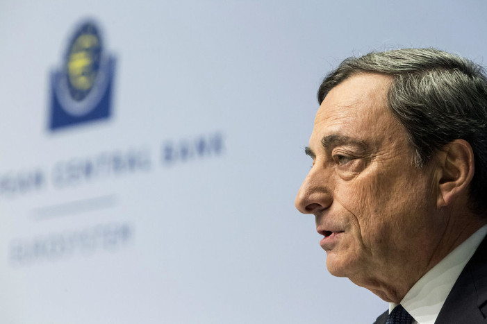 Ντράγκι: Η βιωσιμότητα του ελληνικού χρέους απαιτεί ελάφρυνσή του