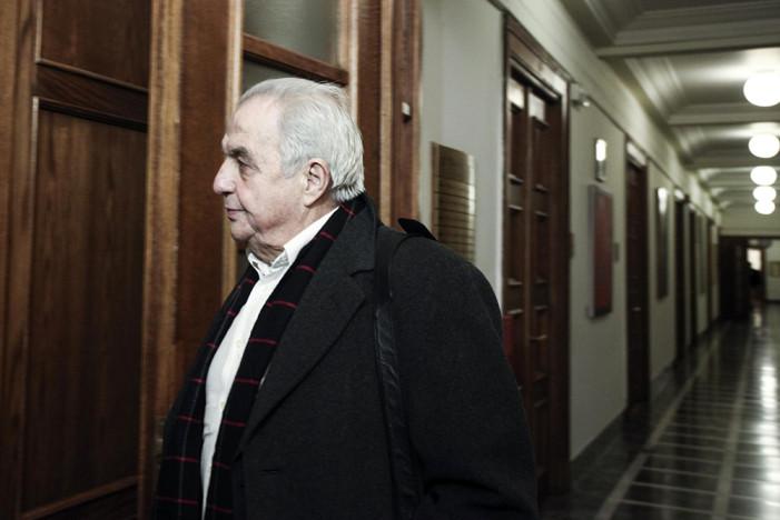 Ο Αλέκος Φλαμπουράρης για την εμπρηστική επίθεση στο σπίτι του