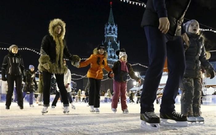 Μόσχα: Παγοδρόμιο 20.000 τετραγωνικών μέτρων