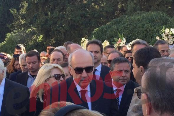 Ο Μεϊμαράκης στην κηδεία της αδελφής του (φωτό)