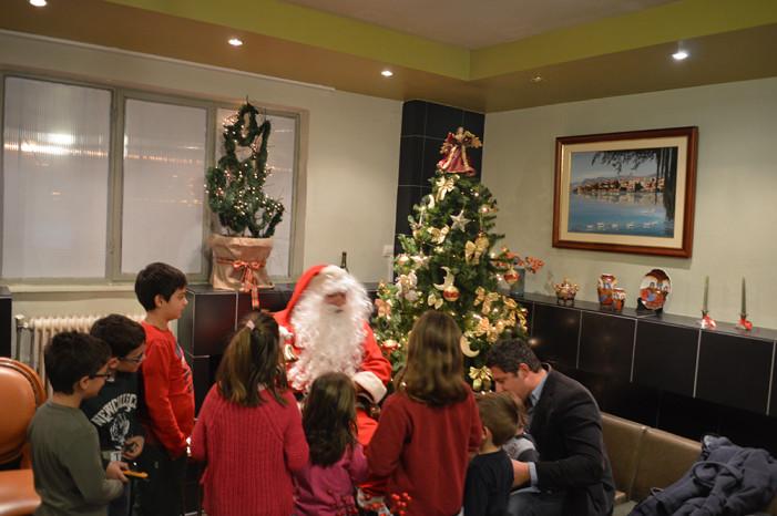Χαμόγελα και άρωμα Χριστουγέννων στο Σύλλογο Ατόμων με Σκλήρυνση Κατά Πλάκας