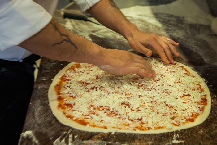 Ιταλία: Δήμαρχος απαγόρευσε στα εστιατόρια να φτιάχνουν πίτσα