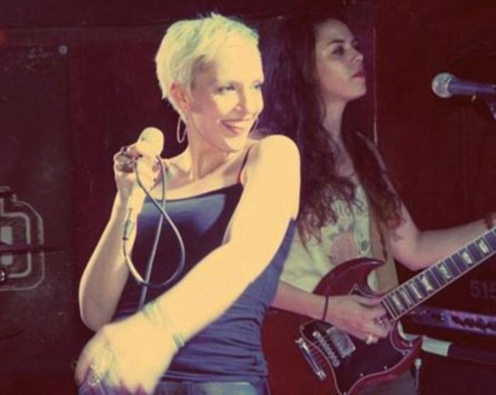 Ξύπνησε από κώμα η τραγουδίστρια που πυροβολήθηκε 6 φορές στο Μπατακλάν