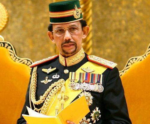 Ο Σουλτάνος του Μπρουνέι απαγόρευσε τα Χριστούγεννα!