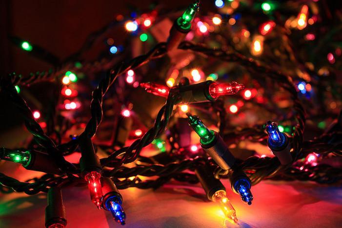 Πως τα λαμπάκια στο χριστουγεννιάτικο δέντρο επηρεάζουν το Wi-Fi