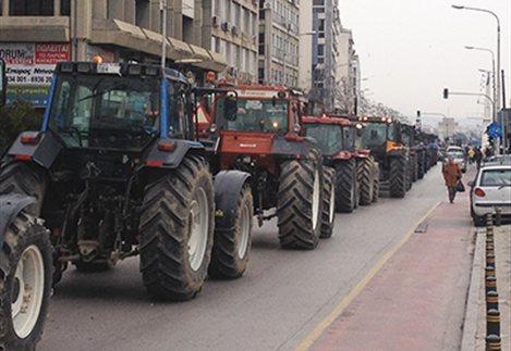 Με τα τρακτέρ στο κέντρο της Θεσσαλονίκης οι αγρότες