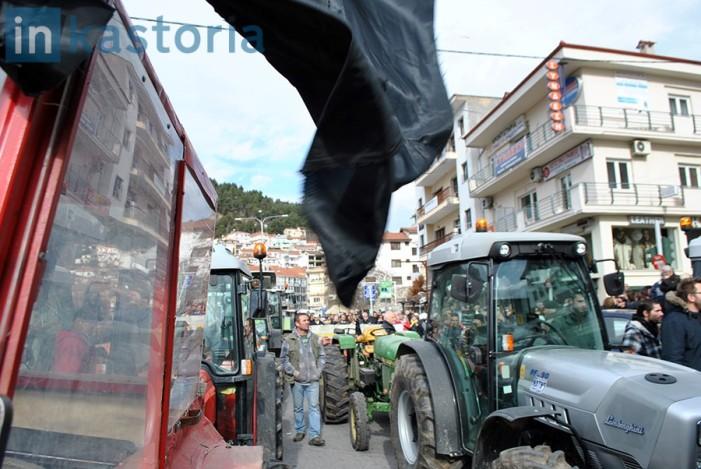 Η πορεία των τρακτέρ στην Καστοριά (Videos)