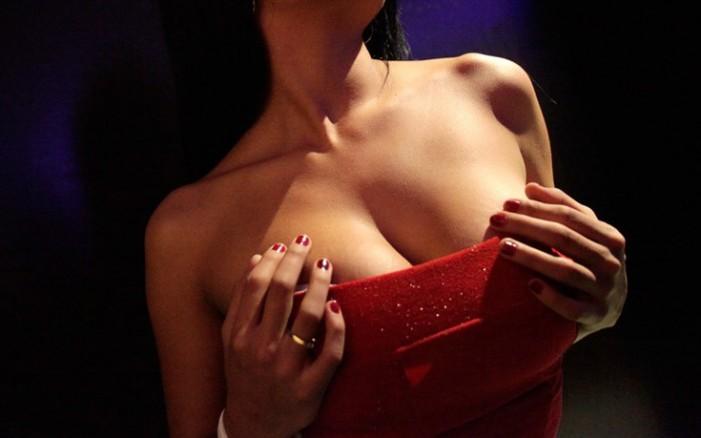 Ανήλικος κέρδισε ένα μήνα με μια ηθοποιό ερωτικών ταινιών (Photos)