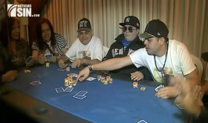 Παίκτης πόκερ πεθαίνει, οι φίλοι του τον τιμάνε παίζοντας μια τελευταία παρτίδα με το πτώμα του!