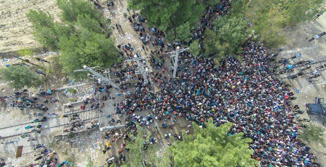 Εγκλωβισμένες πέντε χιλιάδες ψυχές στην Ειδομένη