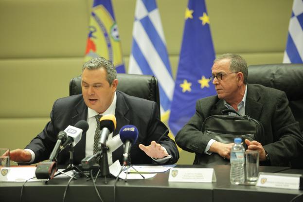 Κυβερνητική κρίση για την Μακεδονία του Μουζάλα, έξω φρενών ο Καμμένος