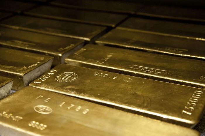 Γιατί οι επενδυτές «επιστρέφουν» στον χρυσό