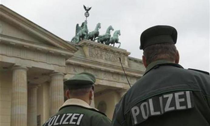 Ανατίναξη αυτοκινήτου στο Βερολίνο – Νεκρός ο οδηγός του